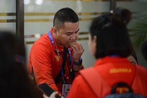 VĐV Việt Nam phải chờ nhiều giờ tại sân bay Philippines