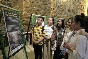 Đà Nẵng: Triển lãm 'Câu chuyện bên bờ sông'
