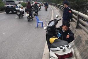 Cảnh sát truy tìm tài xế gây tai nạn khiến bé trai 5 tuổi tử vong