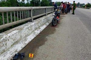 Tìm kiếm nữ sinh 16 tuổi để lại xe máy điện và thư tuyệt mệnh 'đẫm nước mắt' trên cầu