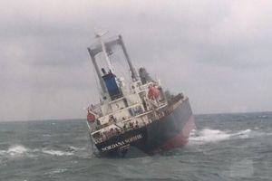 Tàu Thái Lan và 18 thủy thủ chìm ở Vũng Áng có dấu hiệu bị tràn dầu