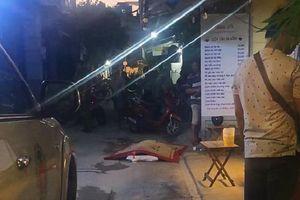 Cự cãi rồi xông vào đánh nhau, tài xế xe ôm công nghệ 2 lần ngất xỉu rồi tử vong trên đường phố ở Sài Gòn