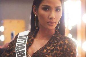 Tóc Tiên bảo vệ Hoàng Thùy khi bị chê tại Miss Universe