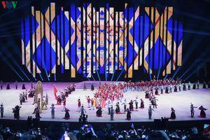 Toàn cảnh lễ khai mạc SEA Games 30: Hoành tráng và đầy màu sắc