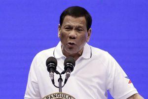 Tổng thống Philippines tiết lộ từng ném xác trùm ma túy xuống vịnh và khe núi