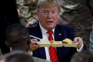 Tổng thống Trump bất ngờ thăm Afghanistan: Nhà Trắng đã làm gì để 'che giấu' cả thế giới tới phút cuối?