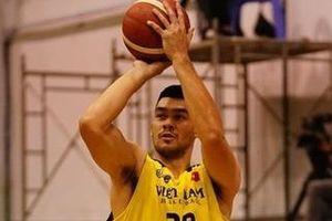 Cầu thủ cao 2,01 m giúp bóng rổ Việt Nam đánh bại Thái Lan