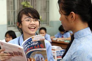 Ai mua sách giáo khoa mới cho giáo viên?
