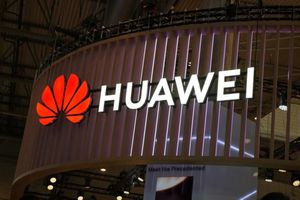 Huawei 'tố' FCC Hoa Kỳ xử ép