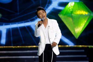 Phi Nhung, Mạnh Quỳnh thích thú với giọng hát của 'ông cụ non' Ngọc Phụng