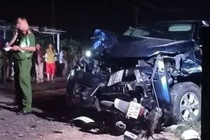Xe bán tải đâm loạt xe máy trong đêm, 4 người chết, 3 bị thương ở Phú Yên