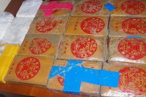 Ma túy giấu trong can nhựa: Vận động người dân không được tàng trữ