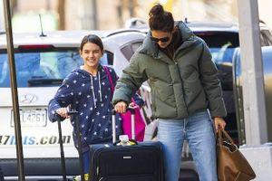 Con gái Tom Cruise tươi cười xinh đẹp, ra dáng thiếu nữ ở tuổi 13