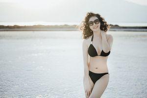 MC Thanh Mai gây 'choáng' khi mặc bikini khoe body không tỳ vết ở tuổi 46