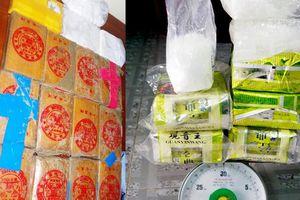 25 bánh heroin dạt ở biển Quảng Nam có liên quan tới 7,8kg nghi ma túy đá ở Huế?