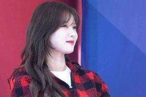 Trở lại với tóc dài, Kim Yoo Jung được khen xinh đẹp hơn bao giờ hết
