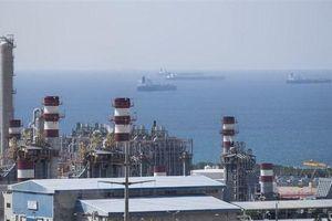 Iran vẫn tiếp tục bán dầu bất chấp lệnh trừng phạt của Mỹ