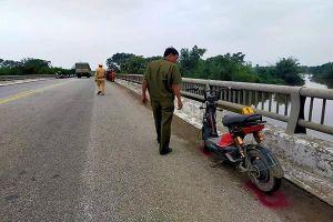 Đã tìm thấy thi thể nữ sinh 16 tuổi nhảy cầu ở Hà Tĩnh
