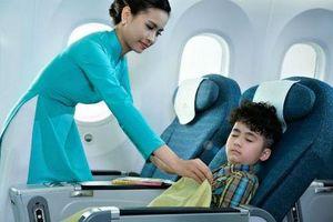 Văn minh hàng không: Khách 'lỡ tay', hãng bay 'dở khóc, dở cười'