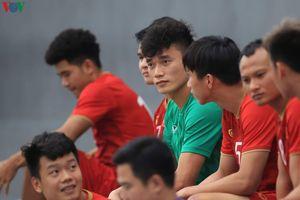 Chùm ảnh: U22 Việt Nam lao vào tập luyện, chờ đối đầu U22 Singapore