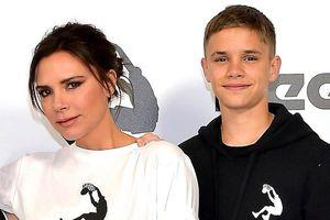 Mẹ con Victoria Beckham nhún nhảy theo hit của Spice Girls