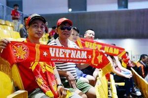 Sắc màu cổ động viên Việt Nam tại SEA Games 30