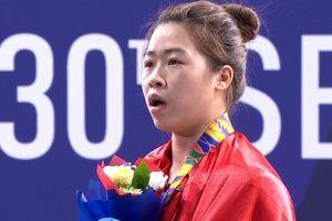 Rơi nước mắt nhận HCV, võ sĩ Hoàng Thị Duyên nói gì?