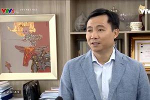 Showbiz 3/12: Sự thật sau hành động BTV Quốc Khánh gọi điện thoại cho Văn Lâm