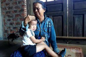 Vợ chồng nguy kịch sau tai nạn trên đường sang Nhật, xé lòng tiếng khóc con thơ