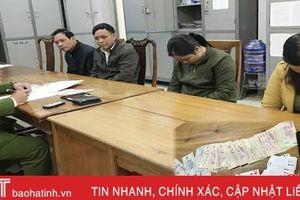 Bắt 4 đối tượng đánh 'phỏm' ăn tiền tại Lộc Hà