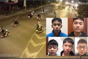 Bắt nhóm thanh niên cầm dao diễu hành gây mất trật tự ở Long Biên