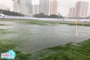 SVĐ thi đấu giữa U22 Việt Nam và U22 Singapore tối nay tại Philippines ngập trong biển nước do ảnh hưởng của cơn bão lớn