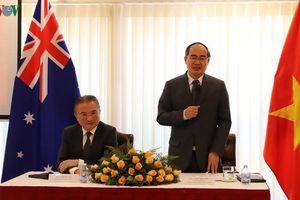 Bí thư Thành ủy TPHCM Nguyễn Thiện Nhân thăm Việt kiều ở Australia