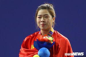 Quốc ca ngân vang, Hoàng Thị Duyên rơi nước mắt trên bục nhận HCV SEA Games 30