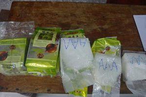 Từ đâu hàng chục bánh ma túy dạt về bờ biển ba tỉnh miền Trung?