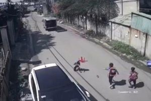 Xe đưa rước làm rơi học sinh ở Đồng Nai: Tài xế sử dụng giấy phép lái xe giả