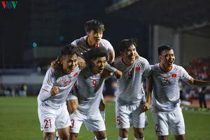 Clip: Cận cảnh pha làm bàn thứ 5 của Hà Đức Chinh ở SEA Games 30