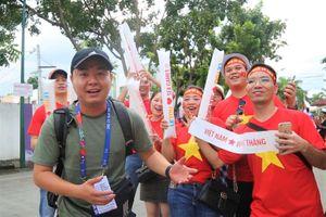 Không khí náo nhiệt trước trận đấu với U22 Thái Lan