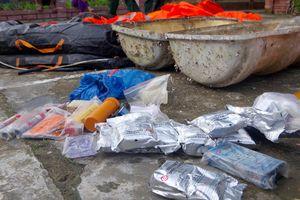 Thừa Thiên Huế: Người dân phát hiện đồ vật lạ tại bãi biển xã Phú Thuận