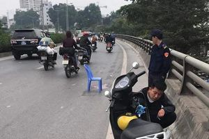 Hà Nội: Tạm giữ lái xe bán tải gây tai nạn rồi bỏ chạy