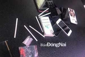 Phát hiện ma túy trong quán karaoke