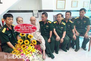 Thăm, chúc thọ Thiếu tướng Nguyễn Thanh Tùng