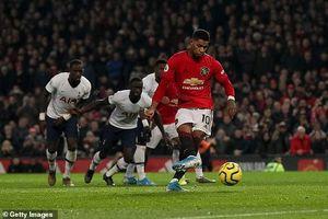 Ngoại Hạng Anh vòng 15: Rashford lập cú đúp, MU đánh bại Tottenham