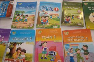Được nhà xuất bản chi tiền để biên soạn bộ SGK riêng, Sở GD&ĐT TP.HCM nói gì?