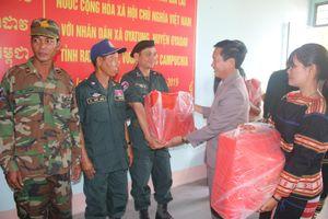 Giao lưu nhân dân giữa hai xã biên giới Gia Lai (Việt Nam) - Rattanakiri (Campuchia)