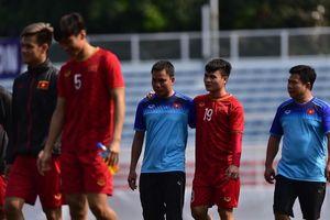 Quang Hải vẫn ra sân tập luyện bình thường, nhưng phải nghỉ 2 tuần