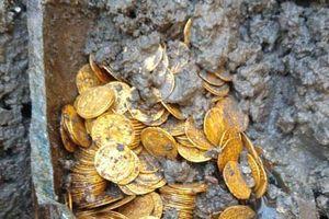 Phát hiện hũ xà phòng chứa đầy vàng bên dưới nhà hát Italy