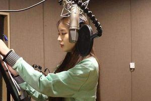 Cập nhật loạt ảnh phòng thu của Jiyeon (T-Ara): Màn comeback đáng chờ đợi cuối năm 2019