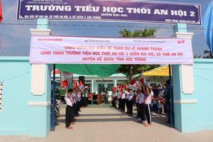 ActionAid Việt Nam 'Thay áo mới' cho trường tiểu học ở Sóc Trăng