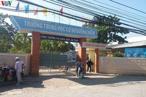 Cảnh báo đối tượng 'lạ' có mặt tại cổng trường dụ dỗ học sinh bỏ học